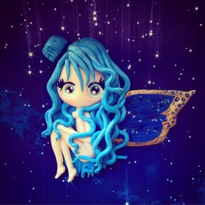 La métamorphose de la chenille en papillon bleu