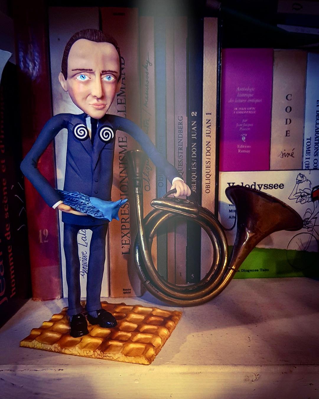 Boris Vian, dans son étagère, Cité Véron